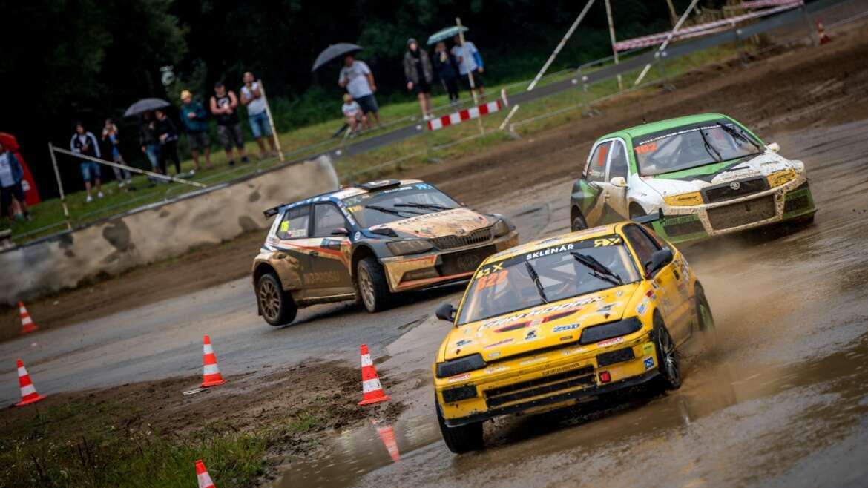 Žlutá Honda CRX ve třídě SuperTouringCars